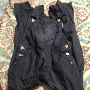 Girls jordache overalls size 10/12.
